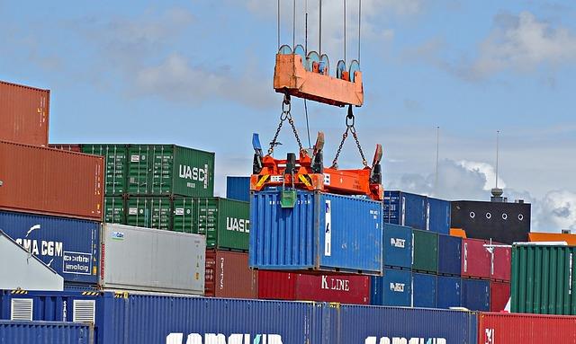 nakládání kontejnerů